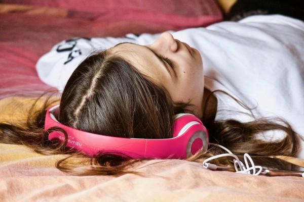 zaburzenia uwagi sluchowej